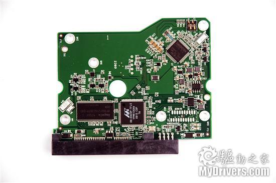 六块西数2tb硬盘raid秀    pcb控制电路部分,这款产品采用了主控芯片